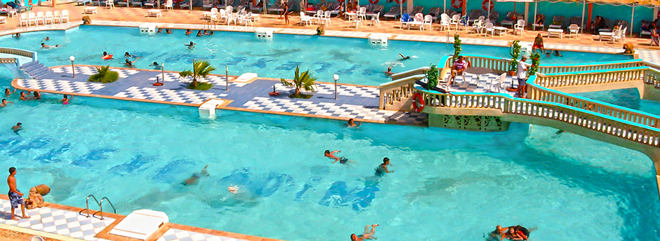 piscine en plein air au bord de la plage zemmouri en alg rie