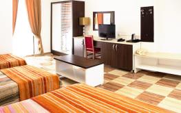 chambre-double-lit-tv-internet-hotel-adim-complexe-touristique-adim-algerie-galerie