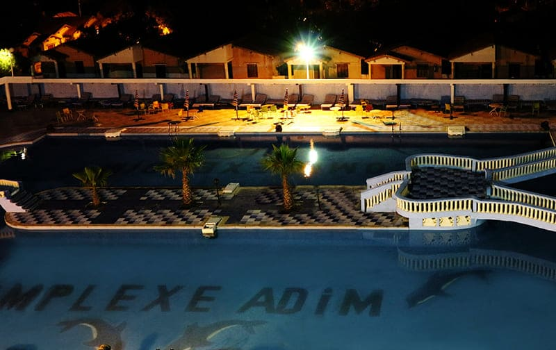 piscines-adim-nuit-complexe-adim-hotel-boumerdes-complexe-algerie-hotel-Zemmouri-El Bahri-Zemmouri-Algerie